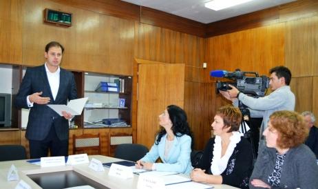 Chiril Lucinschi la şedinţa Consiliului de Observatori ai televiziunii publice