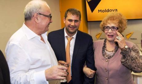 Rita Ţvic alături de Ilan Shor şi Vladimir Novosadiuc