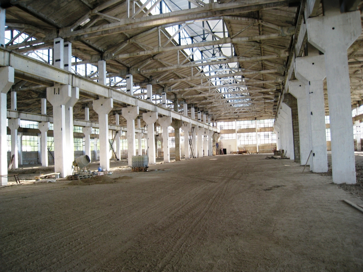Industrial floors in Otaci.