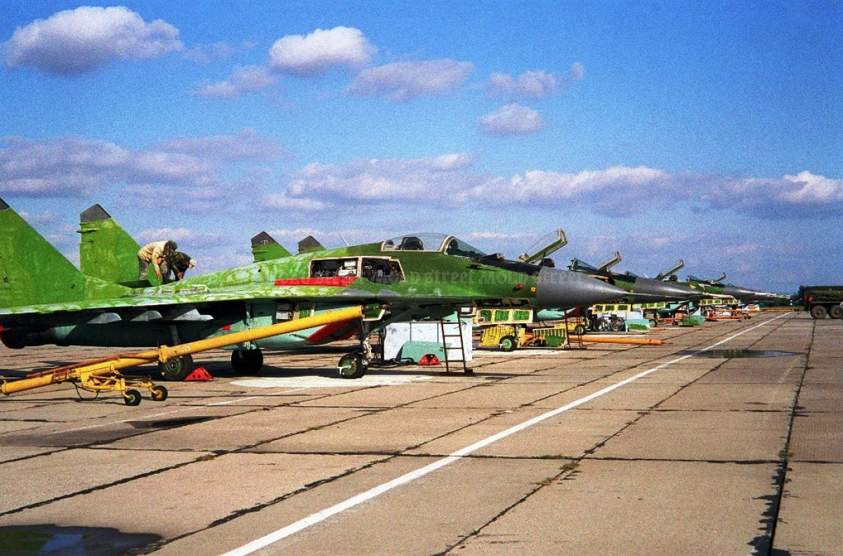 MiG-29 fighter jets continue degradation at the Marculești airfield.